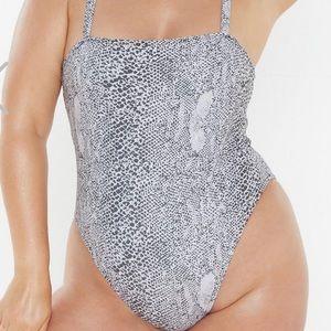 Snake print bathingsuit